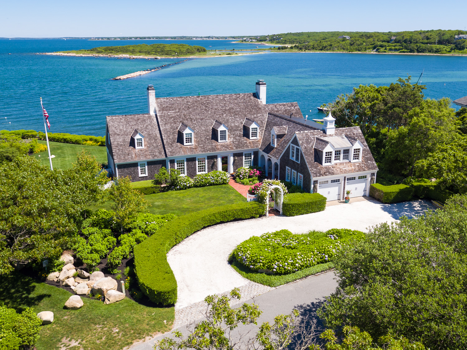 Cape cod boston coastal ma luxury waterfront homes for Cape cod beach homes for sale