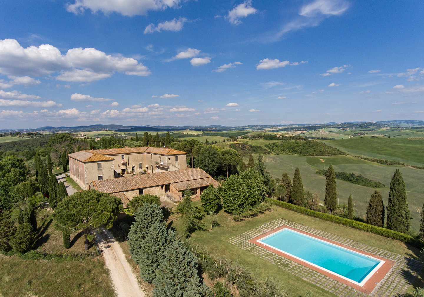 LUXURY FARMHOUSE WITH SWIMMING POOL AND OLIVE GROVE, Pienza, | Handsome  Properties International